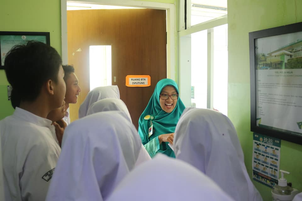 Tim PKRS RST DD Mendampingi Siswa/Siswi SMK Nusantara 2